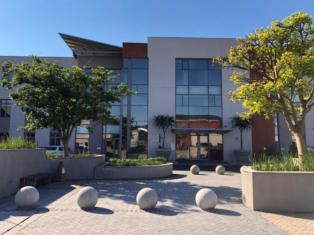 212m² Modern Office Unit To Rent in Century City